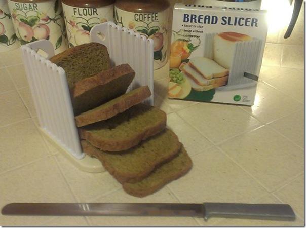 bread slicer with pumpkin bread